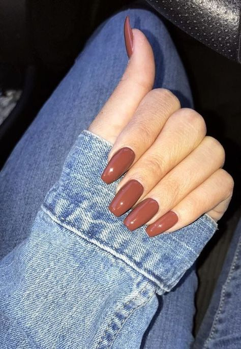 20 Amazing Nail Colors for Winter ⋆ Beautymone - Whether you have your own beautiful nails or, just like me, wearing acrylics, I'm sharing 20 amazing nail colors for winter so you can go and do your nails right away! Remove Acrylic Nails, Acrylic Nails At Home, Cute Acrylic Nails, Acrylic Nail Designs, Fun Nails, Pretty Nails, Neutral Nail Color, Cute Nail Colors, Fall Nail Colors