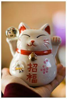 Japanese Porcelain Maneki Neko Calico Cat Kitten Furin Wind Chime Made in Japan