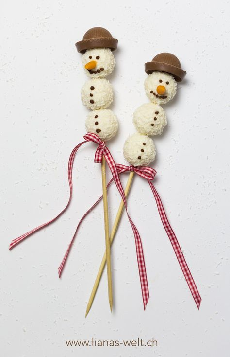 Süsse Schneemänner aus Raffaellokugeln