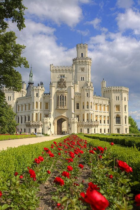 Czech Republic Travel Inspiration - Hluboka Castle ~ considered to be one of the most beautiful castles in the Czech Republic. Originally Gothic style, construction was ordered in the century in the romantic style of the WIndsor Castle. Beautiful Castles, Beautiful Buildings, Beautiful Places, Modern Buildings, Castle In The Sky, Castle House, Castle Ruins, Palaces, Windsor Castle
