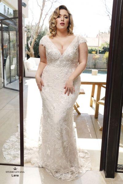 Plus Size Wedding Gowns Curvy Babe Studio Levana Couture Wedding Gowns Plus Size Wedding Gowns Plus Wedding Dresses Bohemian Wedding Gowns Lace