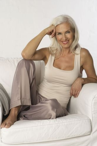 Fit, gorgeous silver-haired lady with great natural style! #ageless #beauty