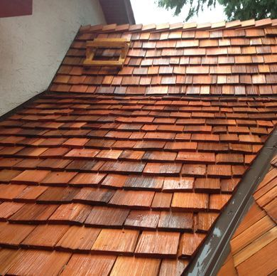 Roof Repair Contractor And Companies In Austin Tx Roof Shingle Repair Cedar Roof Cedar Shingle Roof