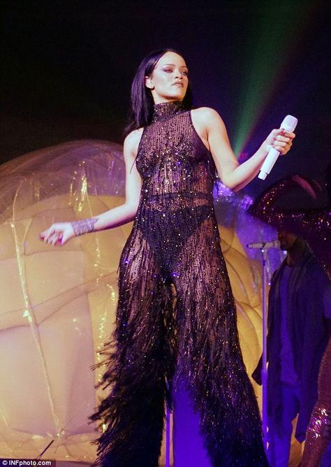 Rihanna datování drake 2012