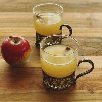 冬はあったかい飲み物でおうちカフェ 身体ぽかぽか 世界のホットドリンク レシピ集 キナリノ ホットドリンク ドリンクレシピ アップルサイダー