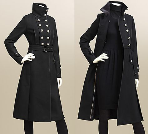 Burberry, e.g Coats Heaven Burberry undoubtfully is a fashion brand with a controversial history, but there is no doubt in their military coat design history! Their new arrivals are here, and no matter that Burberry are maki… Anime Outfits, Cool Outfits, Male Outfits, Gothic Outfits, Online Fashion, Style Lolita, Mode Vintage, Character Outfits, Coat Dress