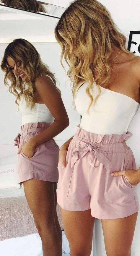 Stylish summer outfits for woman to wear in 2020. Cute summer style, summer fashion inspiration. High rise tie shorts, body suits, blush pink shorts, summer outfit shorts Hot Pants, Hot Shorts, Pink Shorts, Striped Shorts, Teen Shorts, Denim Shorts, Baggy Shorts, Patterned Shorts, Harem Pants
