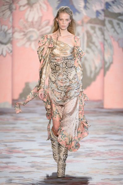 Zimmermann at New York Fashion Week Fall 2018 - Every Must-See Runway Dress at New York Fashion Week for Fall 2018 - Photos