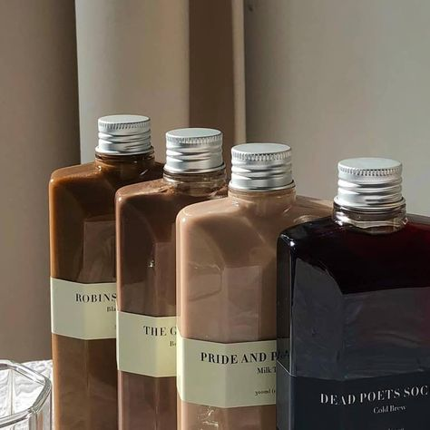 Image about food in Brown / Beige aes by Lucian Cream Aesthetic, Aesthetic Coffee, Brown Aesthetic, Aesthetic Food, Coffee Packaging, Bottle Packaging, Food Packaging, Coffee Photography, Cafe Food