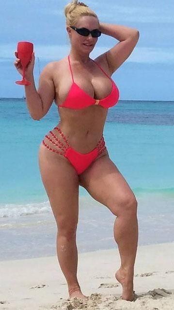dicke im bikini