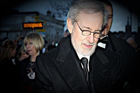 Spielberg: la tecnología cambiará el modelo de producción y distribución en la industria del cine http://www.xataka.com/p/108103