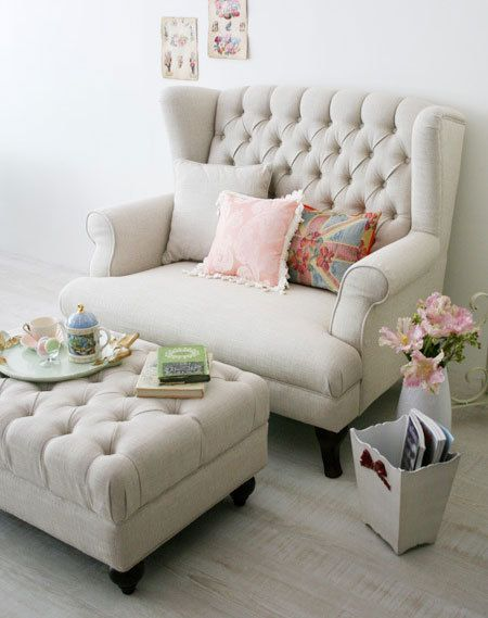gorgeous tufted chaise perfect for the bedroom tufted furniture pinterest french furniture bedrooms and chaise longue