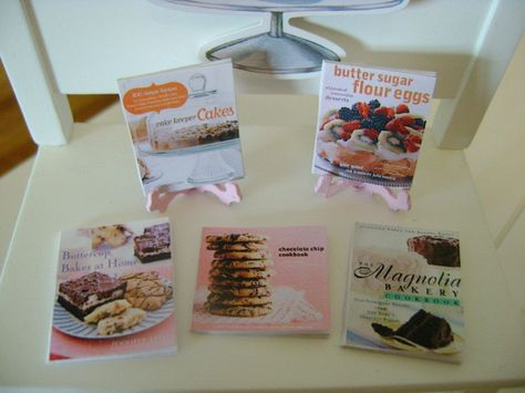Famous Bakery Cakes Cookie Baking COOKBOOKS  Dollhouse Miniature 1/12