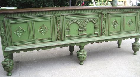 Love the vintage green