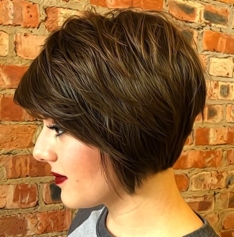 60 Short Shag Hairstyles That You Simply Can't Miss Feminine Shaggy Jaw-Length Bob Short Stacked Bob Haircuts, Short Stacked Bobs, Short Shag Hairstyles, Stacked Bob Hairstyles, Hipster Hairstyles, Angled Bobs, Inverted Bob, Medium Hairstyles, Layered Bobs