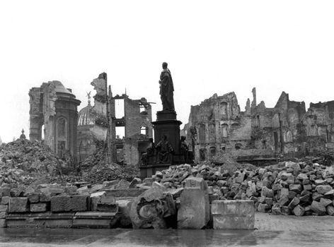 Pin Von Eiserner Engel Auf Dresden Dresden Geschichte Verbrecher