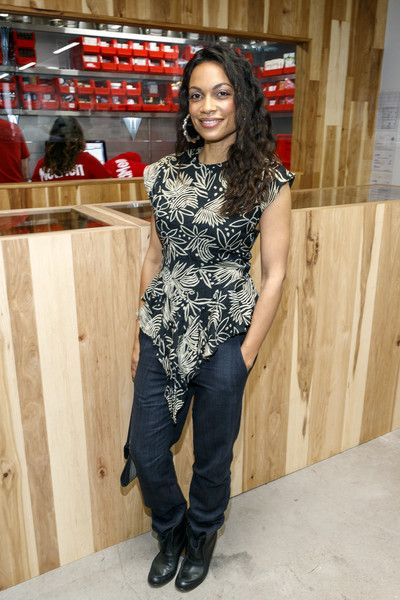 Actress Rosario Dawson attends the MedMen Abbot Kinney store ribbon cutting ceremony.