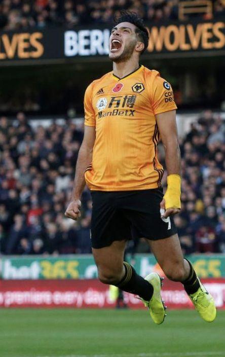 20191110 Wolverhampton 2 1 Aston Villa Raul Jimenez Matt Bunn Bpi Shutterstock Soccer Players Wolverhampton Football Players