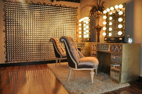 Take a virtual tour of the hair salon Parlour 3, located in Nashville, Tennessee and find out which celebrity is listed among its most loyal clients...