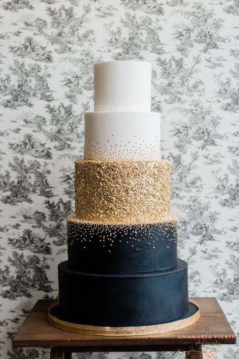 Amy Beck Cake Design, Hochzeitstorten - - wedding cakes cakes elegant cakes rustic cakes simple cakes unique cakes with flowers fall wedding Elegant Wedding Cakes, Beautiful Wedding Cakes, Wedding Cake Designs, Beautiful Cakes, Cake Wedding, Black Wedding Cakes, Rustic Wedding, Summer Wedding Cakes, Simple Elegant Wedding