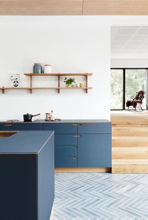 We will never grow tired of this beautiful blue kitchen 🤩 . . . #craftsmanship #design #nordichome #architecture #kitchenlife #bespokekitchen #snedkerkøkken #madeindenmark