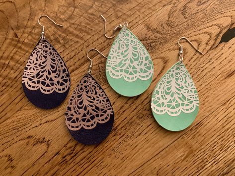 Handmade Leather Jewelry, Diy Leather Earrings, Lace Earrings, Bridal Earrings, Leather Crafts, Hairpin Lace Crochet, Crochet Edgings, Crochet Motif, Crochet Shawl