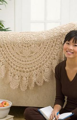 Ravelry: Lacy Accent Doily pattern by Bendy Carter. Free pattern. Romantic Victorian touch on the back of a sofa, or as a table topper.