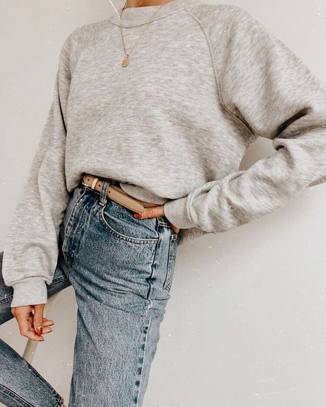 Trendy sweatshirt grey outfit my style Streetwear Mode, Streetwear Fashion, Oufits Casual, Casual Outfits, Urban Style Outfits, Mode Outfits, Fashion Outfits, School Outfits, Fashion Ideas