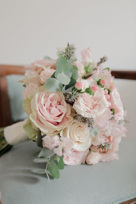 Bouquet Sposa Rosa E Bianco.L Arte Di Abbinare I Colori Nozze In Rosa Giallo E Bianco