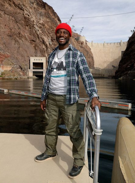 Taye Diggs joins the National Park Foundation on a #FindYourPark/#EncuentraTuParque tour November 21, 2017 in Lake Mead National Recreation Area, Nevada.
