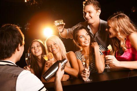 """Alcool : la """"saoulorexie"""", nouvelle habitude chez les jeunes Anglais."""