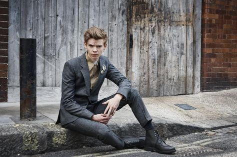 cd91f1632de97 Thomas Brodie-Sangster Daily