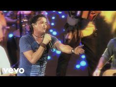 Carlos Vives - Ella Es Mi Fiesta (En Vivo Corazón Profundo Tour) - YouTube