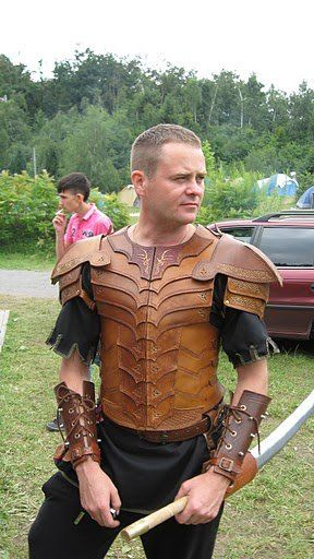 Wood elf armour, second one I made. All elements hand sewn, hand carved and hand etcetera wood elf leather armor