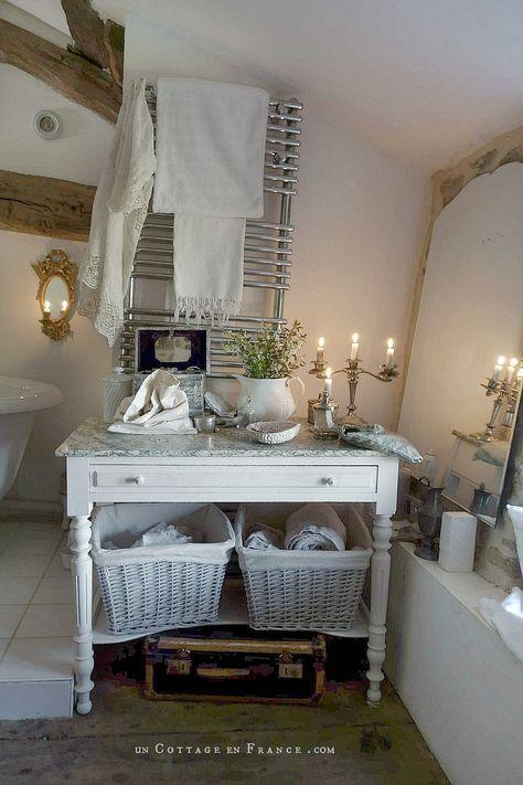 Blancs Shabby Chic Dans La Salle De Bain Cottage Blanc Deco