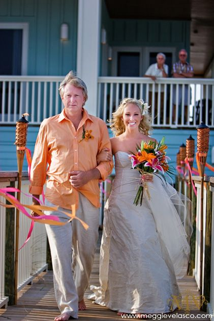 Casual Wedding Attire For Father Of The Bride Diffe Color Shirt And Pants But A Great Look Pinterest