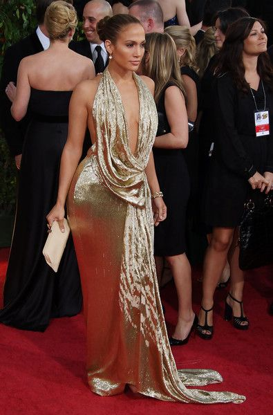 Jennifer Lopez in Marchesa at the 2009 Golden Globe Awards - The Most Daring Red Carpet Dresses of the Decade - Photos