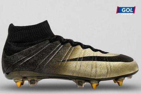 Arturo espejo de puerta cero  Cristiano Ronaldo estrenará guayos con microdiamantes | Tiendas de  zapatillas, Zapatos de fútbol, Botas nike