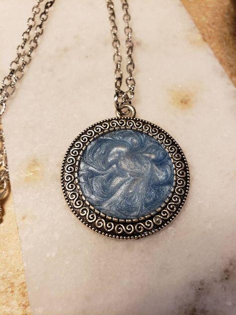 Medallion necklace bronze /' stormy lake /'