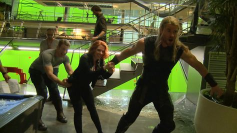 age of ultron black widow | avengers-age-of-ultron-funny-thor-black-widow-captain-blooper