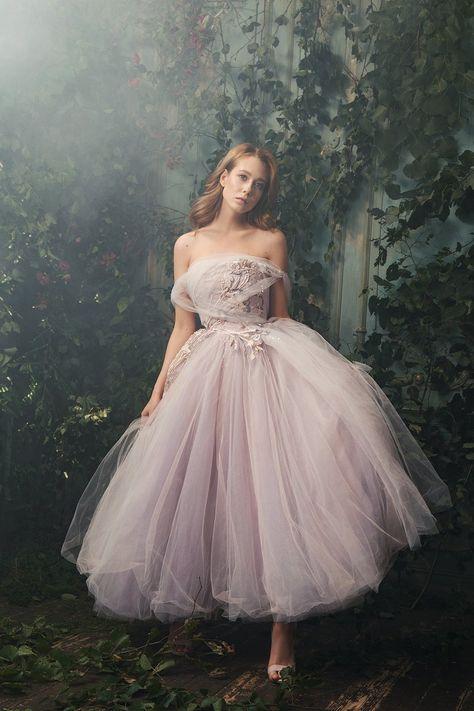 Fairy Wedding Dress, Fairytale Dress, Fairy Dress, Short Wedding Dresses, Wedding Dress Colors, Short Tulle Dress, Colorful Wedding Dresses, Alice In Wonderland Wedding Dress, Fantasy Wedding Dresses