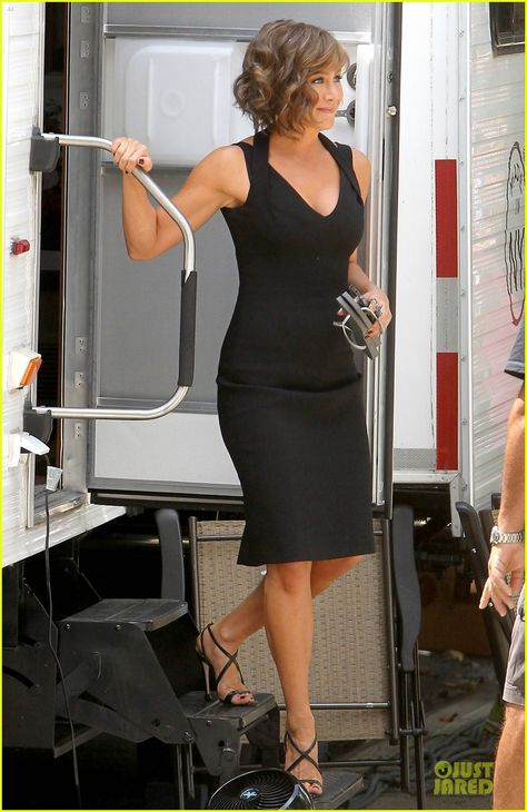 SPOTTED: Jennifer Aniston on-set carrying her Slim Grey Havaianas