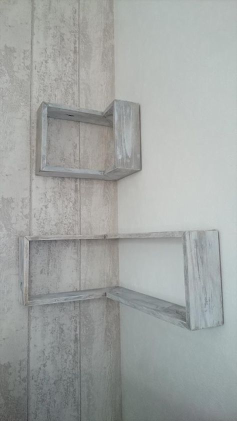 DIY Pallet TV Stand and Wall Shelves | 99 Pallets