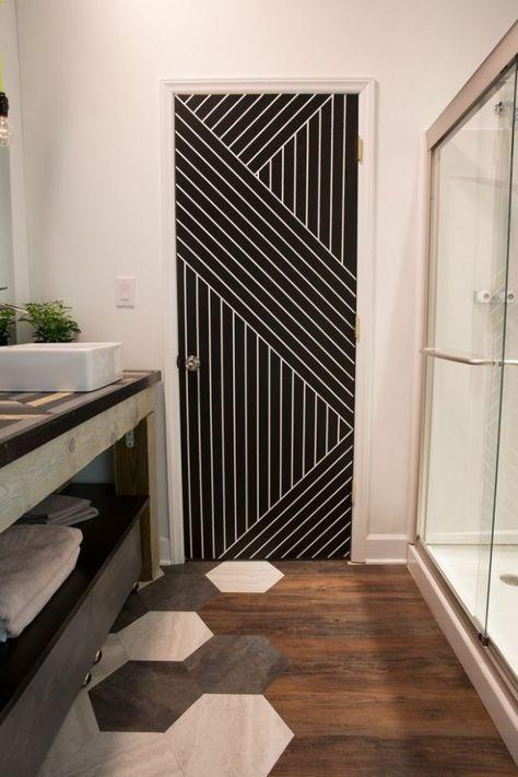 10 Simple Geometric Paint Ideas That Make Impressive Decor Accents Badkamer Makeovers Deur Decoratie Deur Behangen