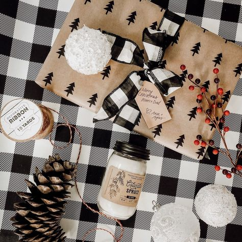 Christmas wrapping ideas . . #fiddleleafinteriors #christmascrafts #christmasgifts #christmaswrapping
