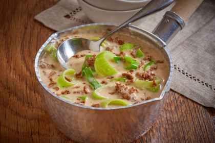 Käse-Lauch-Suppe mit Hackfleisch | Rezept | essen | Rezepte, Suppe ...