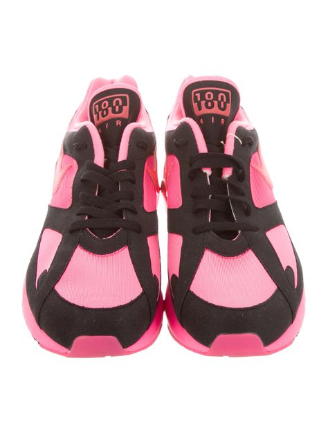 sports shoes ca32f f8e1b Men s pink and black woven Comme des Gar ons for Nike Air Max 180 round-toe  low-top sneakers with logo at tongues and counters,