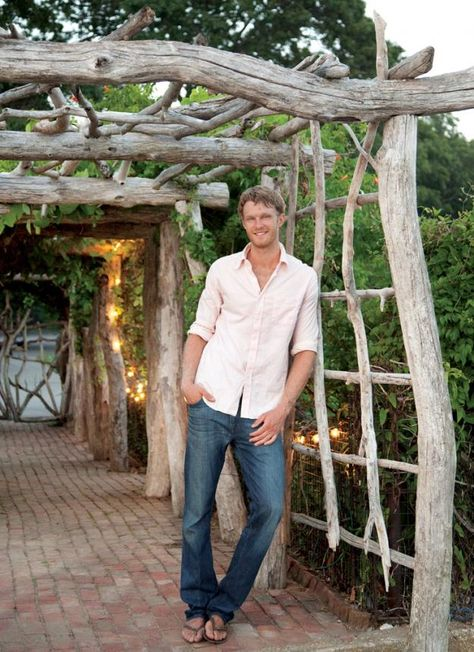 The Wonderful World of Charlie Baker:  Charlie Baker's custom rustic designs—fashioned from driftwood and salvaged materials—have graced gardens across the country, as well as the windows of Hermès.   love the arbor.............