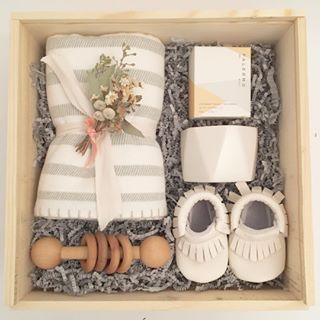 New Baby Gift Box. Baby Shower Gifts from Loved and Found #babyshowergifts  | Diy baby shower gifts, Baby gift box, Personalised gifts diy