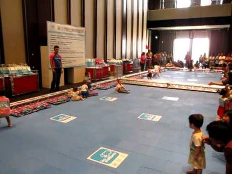 Baby Diapers Carrying Championship